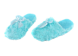 China Close Toe Disposable House Slippers , Blue Plush Slippers For Women  supplier