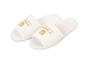 China White Velvet Material Disposable Hotel Slippers Solid Imprinted Customized Logo supplier
