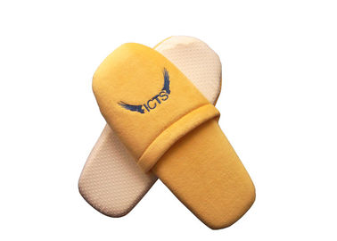 China Disposable Hotel Guest Room Spa Slipper with Emboridered Hotel Logo supplier