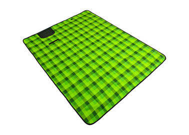 Durable Outdoor Picnic Blanket , Portable Picnic Blanket Heat - Insulated